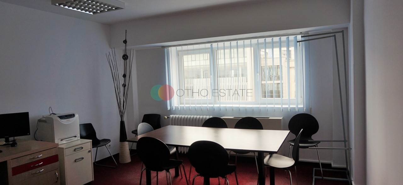 5+ room apartment/office space for rent in Victory Square, Bucharest main picture