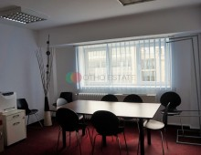5+ room apartment/office space for rent in Victory Square, Bucharest