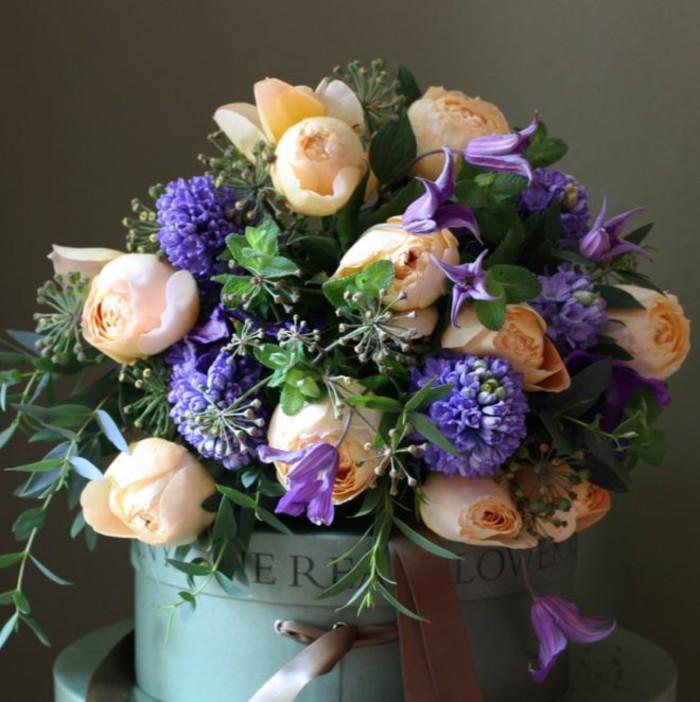 aranjament floral pasti 2